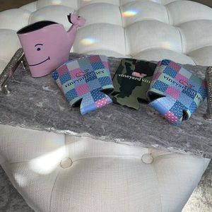 🐳 Vineyard Vines koozies 🐳
